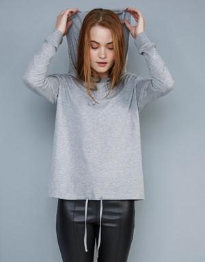 T-shirts femme avec capuche mantis gris